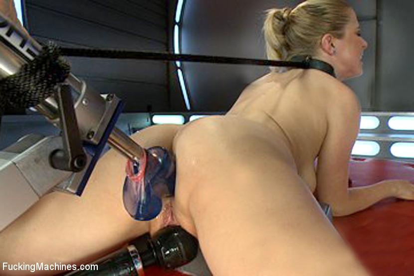Double penetration fucking machine