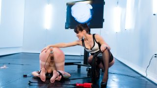 Missy Minks is FINALLY back.. Electrosluts.com – onlinexxx.cc