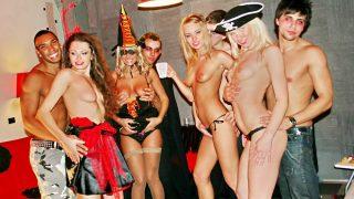Sexy students celebrate.. Collegefuckparties.com – onlinexxx.cc