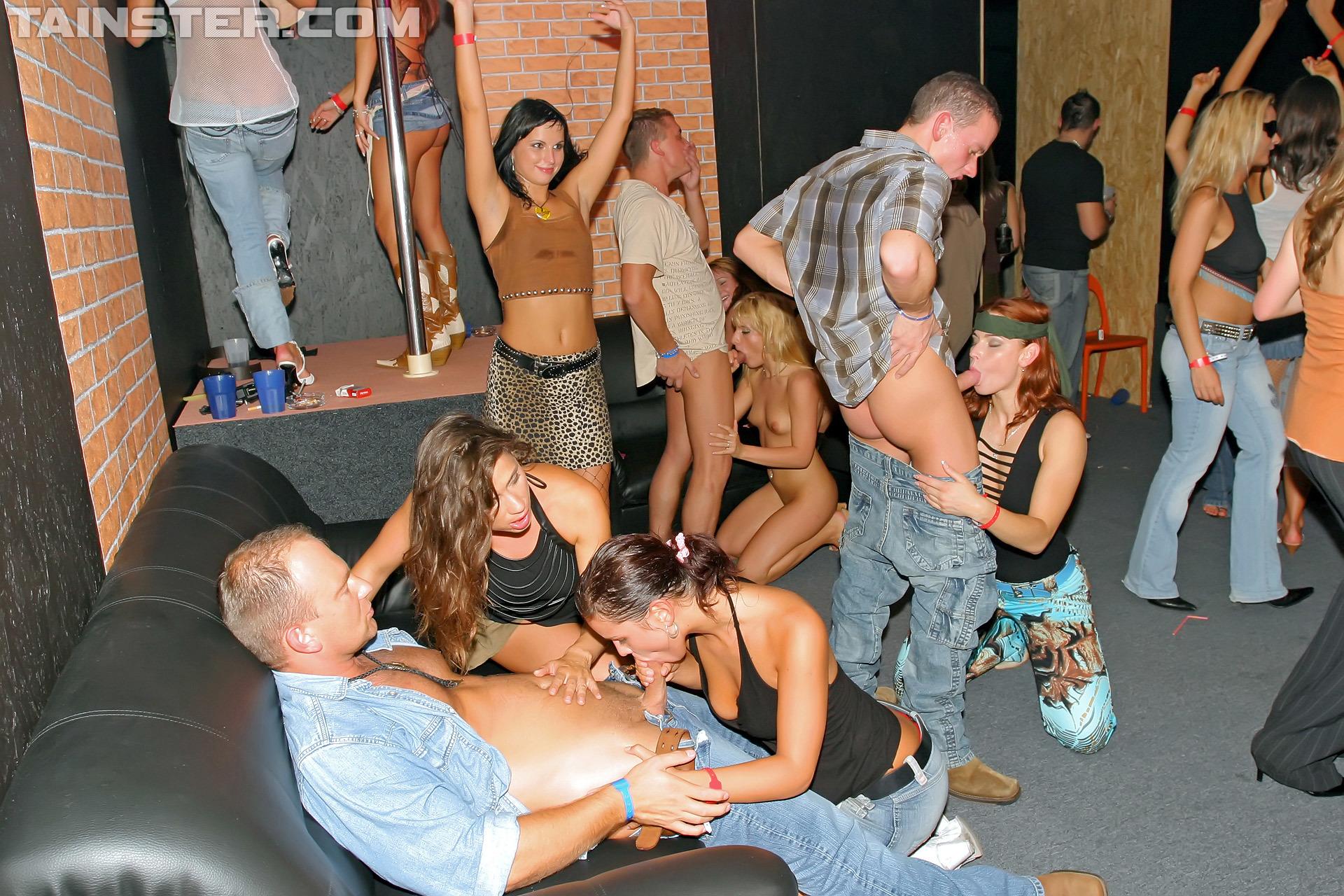 2Cam Porn roadhouse hos part 2 – cam 2 swingingpornstars