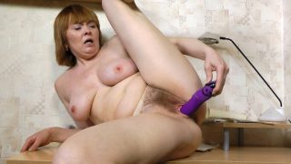 Strea gets hands on at work.. Wearehairy.com – onlinexxx.cc